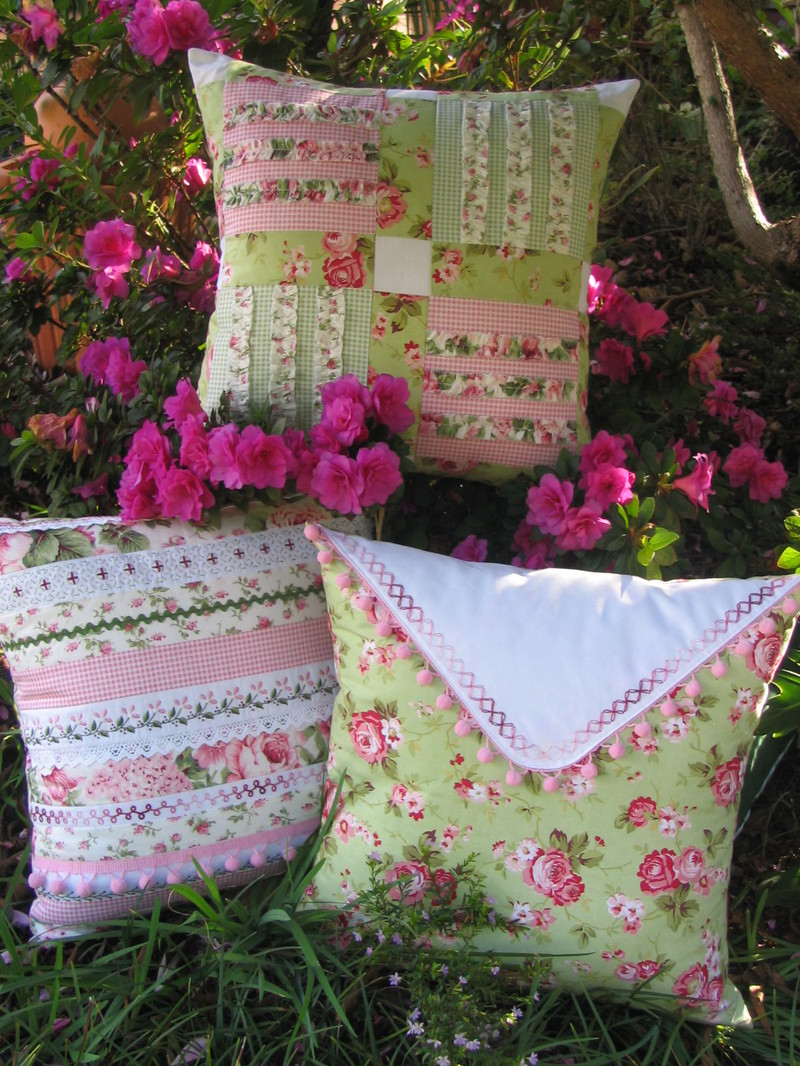 Trio_of_cushions_6